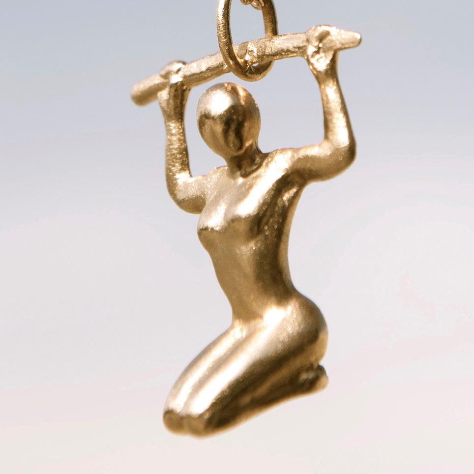 Kettenanhängerin Bronze